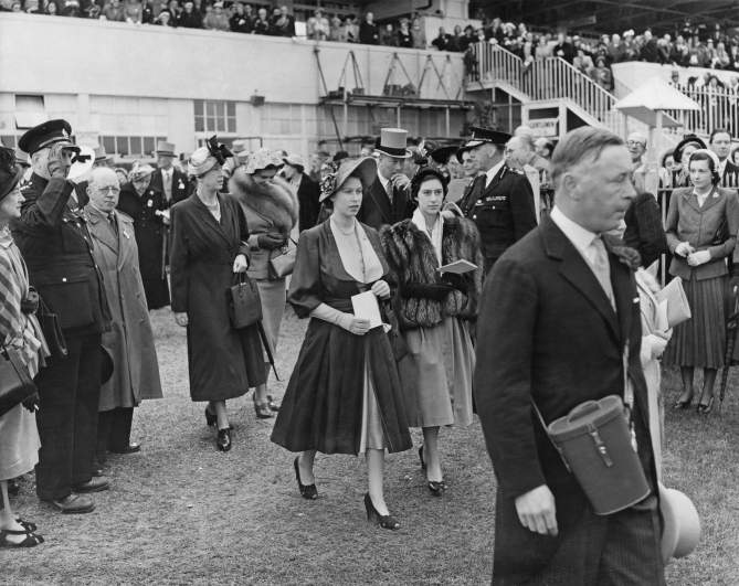 National Sisters Day, National Sisters Day origin, National Sisters Day facts, famous sisters