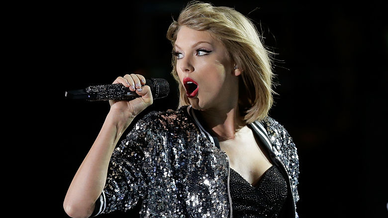 Taylor Swift snakes