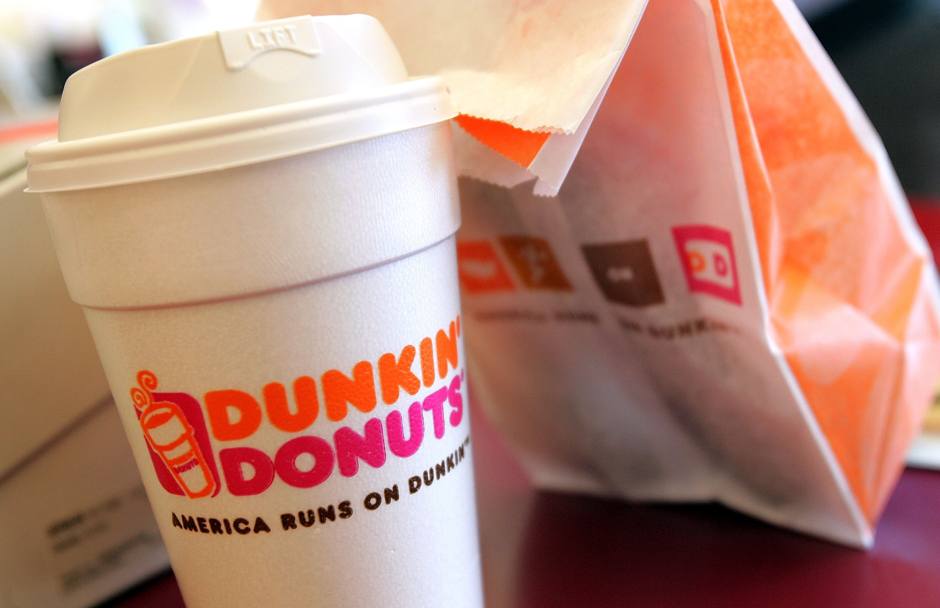 Dunkin Donuts, Dunkin Donuts Holiday Hours, Dunkin Donuts Menu, Dunkin Donuts Open On Thanksgiving 2017, Dunkin Donuts Drinks