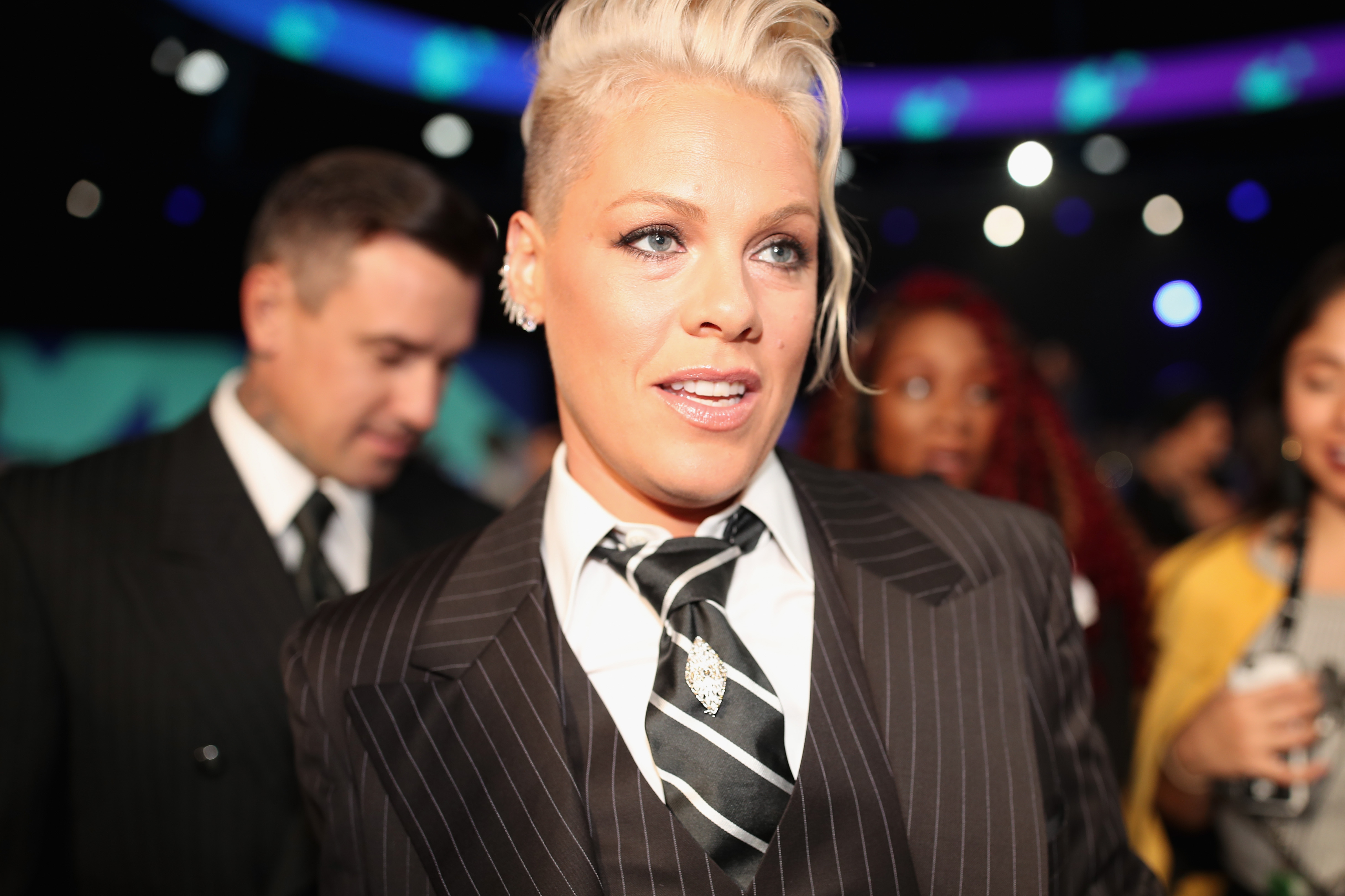 Pink, Pink VMAs 2017, Pink VMAs 2017 Performance, Pink MTV Video Music Awards, Pink MTV Music Awards 2017, Watch Pink VMAs Performance