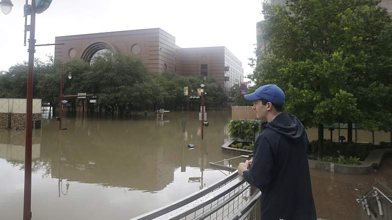 Hurricane Harvey looting, Houston looting, Houston damage, Houston Loot Crew