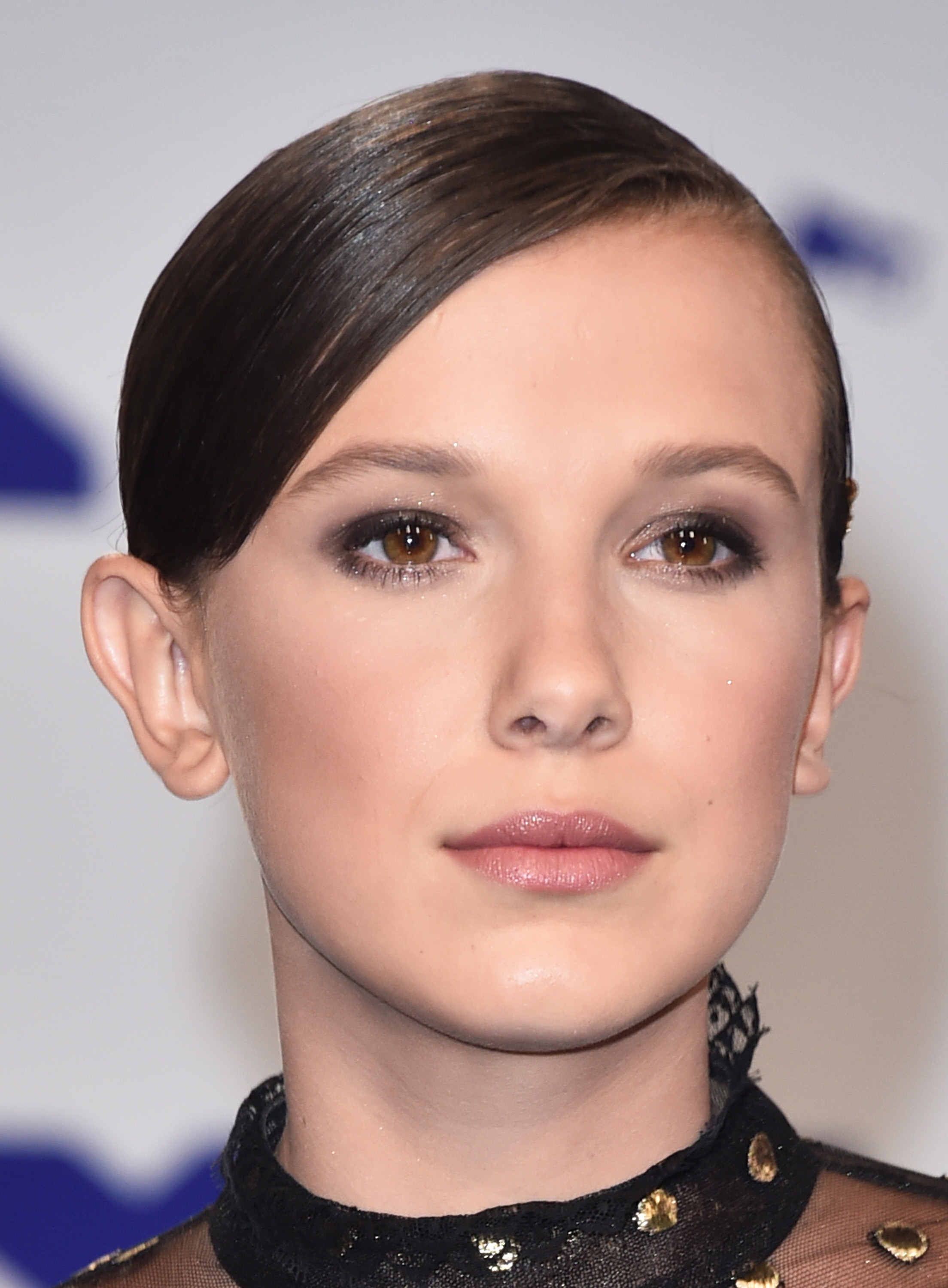 Millie Bobby Brown Net Worth, How much money did Millie Bobby Brown make filming stranger things