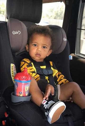saint west, saint west car seat, kim kardashian kids