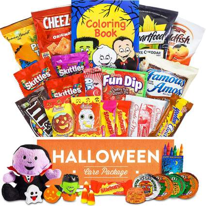 halloween gift basket, halloween gifts, halloween treats, halloween gift ideas, halloween gift basket ideas, halloween bags, halloween candy gift baskets, halloween gift basket ideas for adults, halloween basket ideas, halloween gift baskets for kids, halloween gift bags, halloween gift boxes, holiday gift baskets, food gift baskets, halloween gift basket ideas for college students, gift basket, best gift baskets