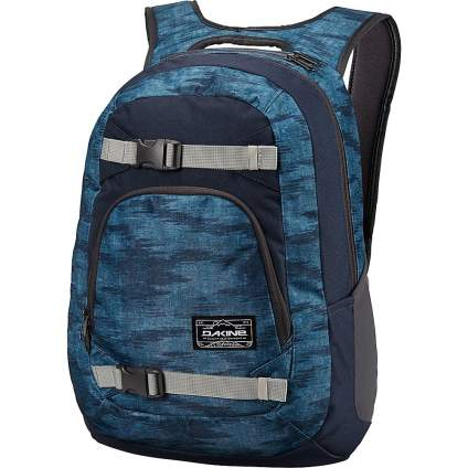 Dakine, snowboarding, snowboarding backpack