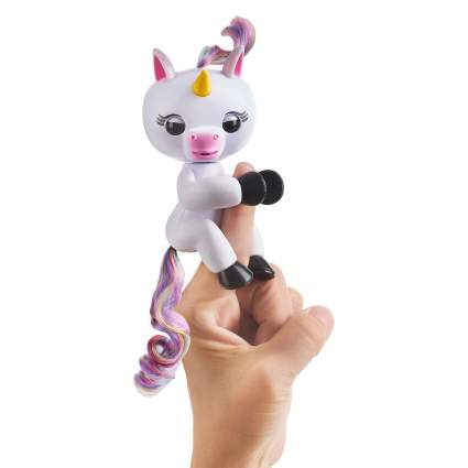 WOWWEE Fingerlings Interactive Baby Unicorn GIGI