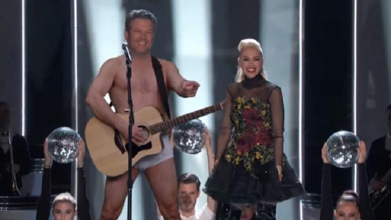 Blake Shelton, Blake Shelton And Gwen Stefani, Gwen Stefani, Gwen Stefani And Blake Shelton, Blake Shelton And Gwen Stefani Christmas Song, Gwen Stefani And Blake Shelton Together