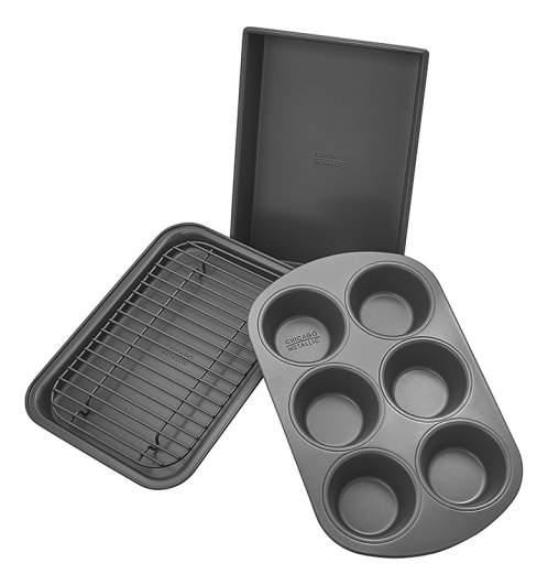 Chicago Metallic Professional 4-Piece Bakeware Set