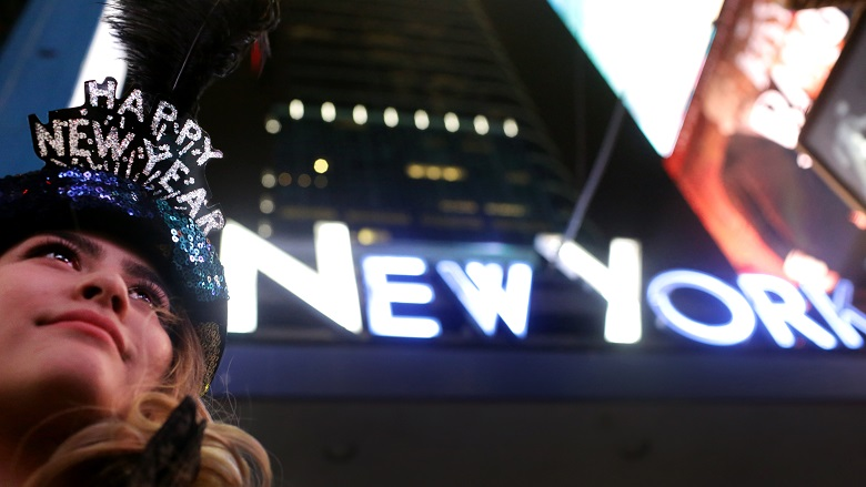 Where To Watch the Ball Drop, Where To Watch the Ball Drop In NYC 2017, Where To Watch the Ball Drop In NYC 2016, Best Places To Watch The Ball Drop, Where To Watch the Ball Drop 2018 Times Square, New Year's Eve Times Square