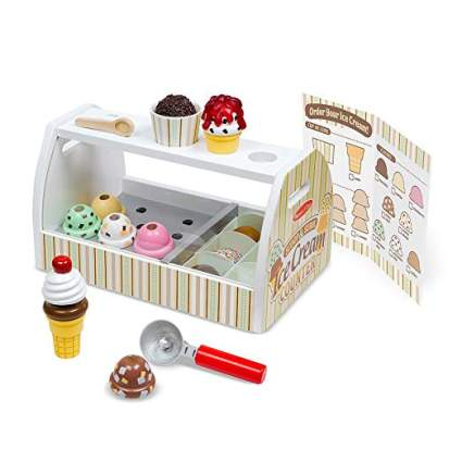 Melissa & Doug Wooden Scoop and Serve Ice Cream Counter (28 pcs)