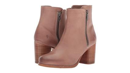frye boots, cool gifts for mom, mom gifts