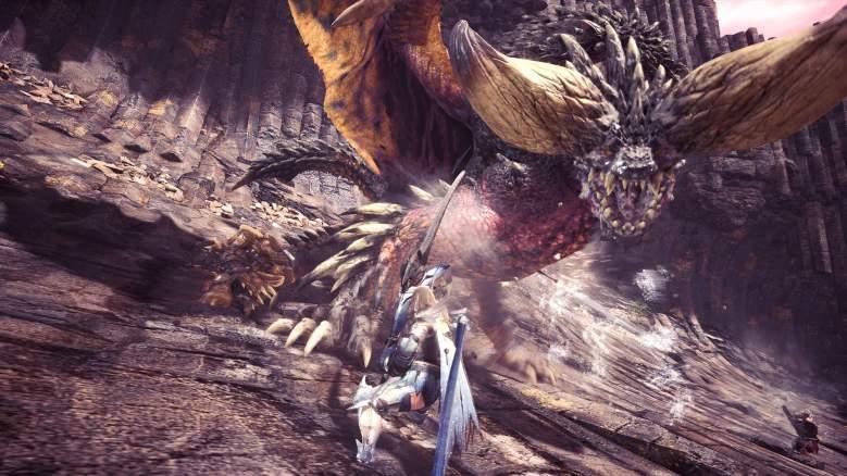 Monster Hunter World weapon combos, monster hunter world combat combos, monster hunter world combos