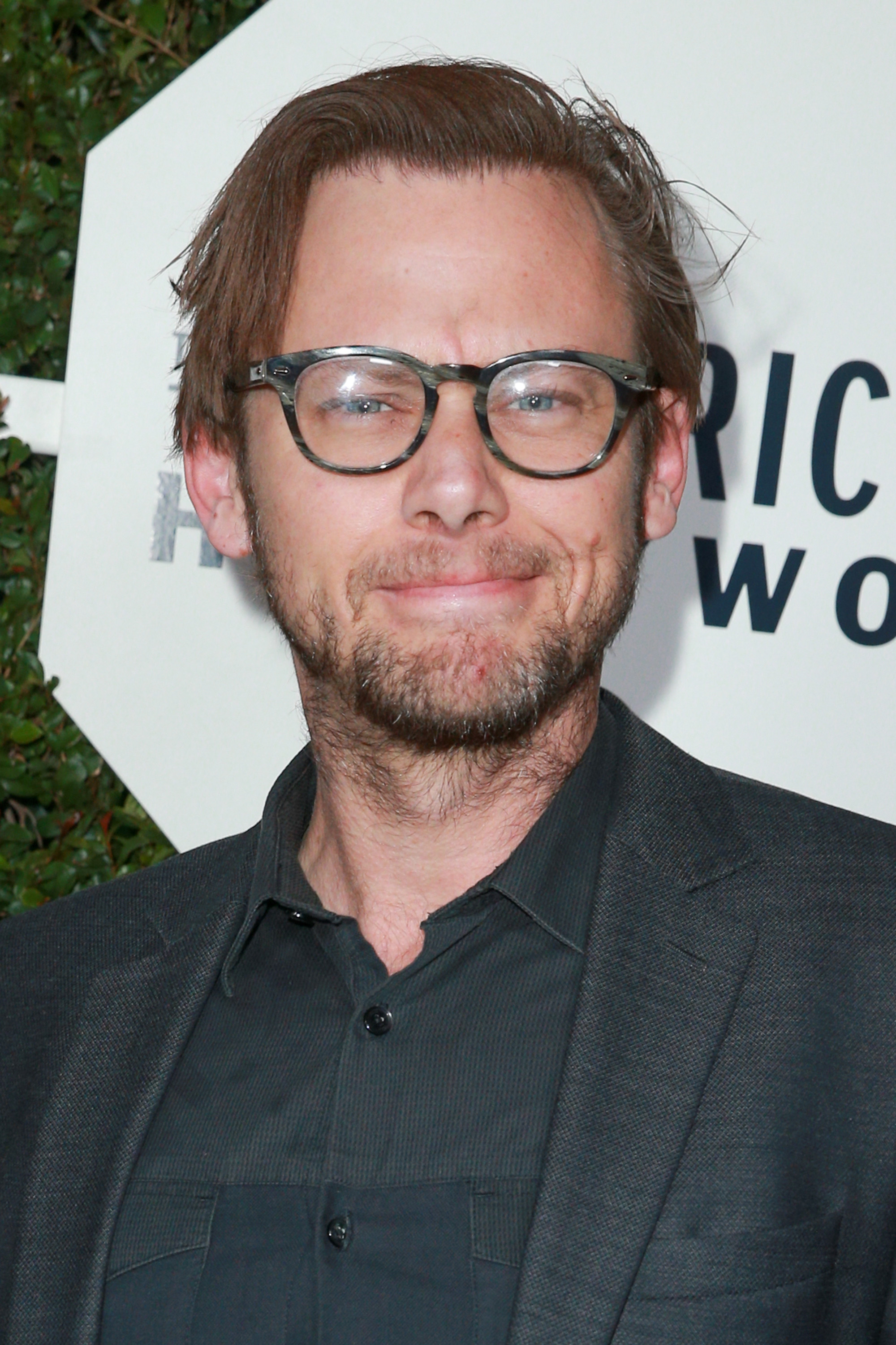 Jimmi Simpson on Unsolved Deaths of Tupac and Biggie