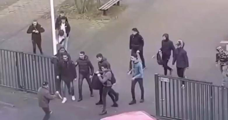 dutch students backpacks knife video