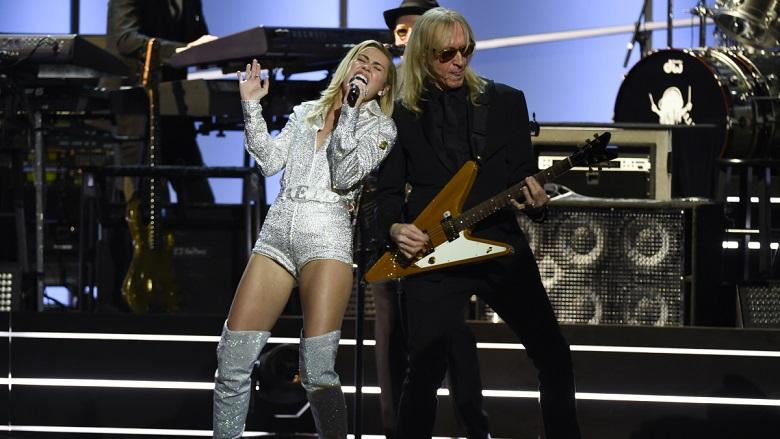 Miley Cyrus Performing At Elton John Tribute, Elton John Tribute Performers, Elton John TV Special 2018