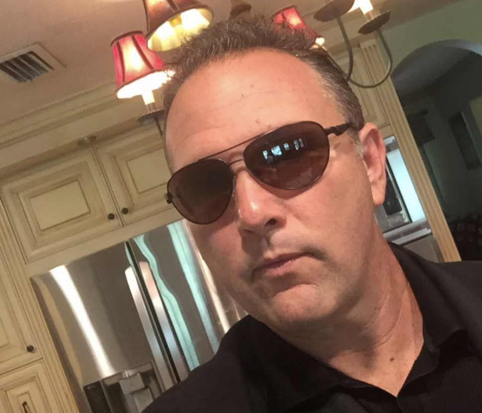 Gene Schroeder, Gene Schroeder Facebook Flip Wars