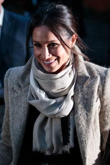 meghan markle scarf
