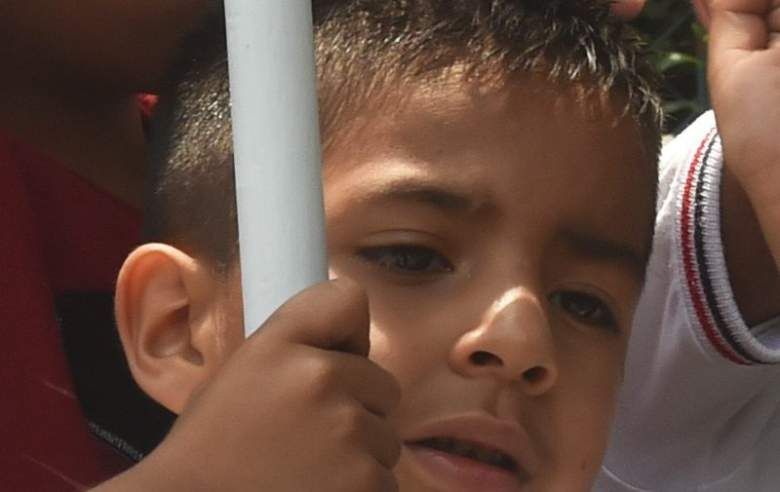 Child being held at the US-Mexico border