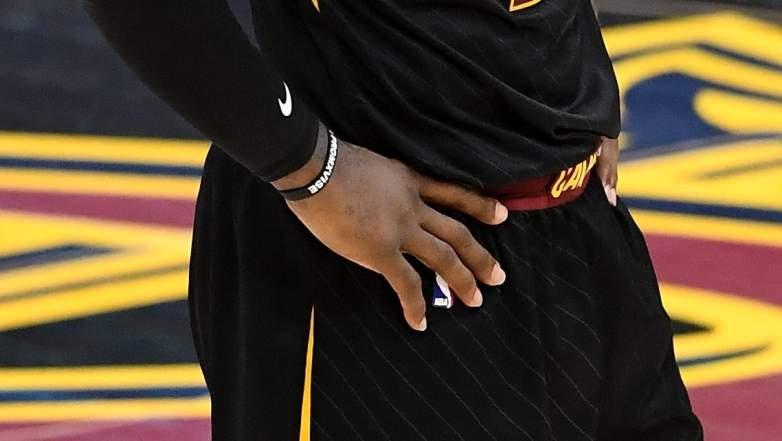 lebron hand injury