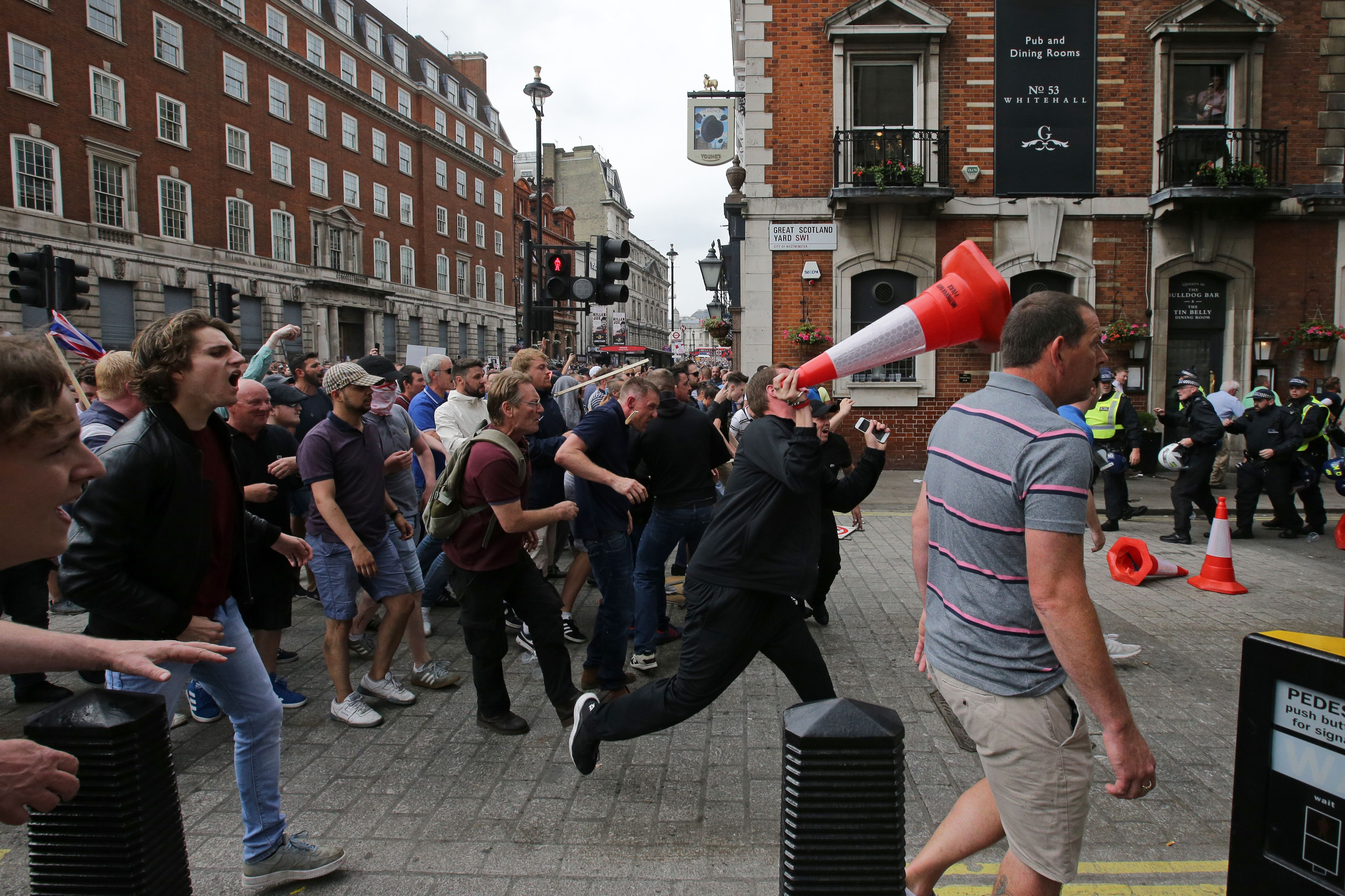 Tommy Robinson riot
