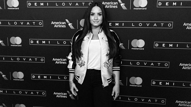 Demi Lovato aunt