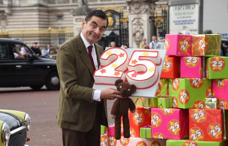 Mr. Bean heads to Buckingham Palace in 2017.