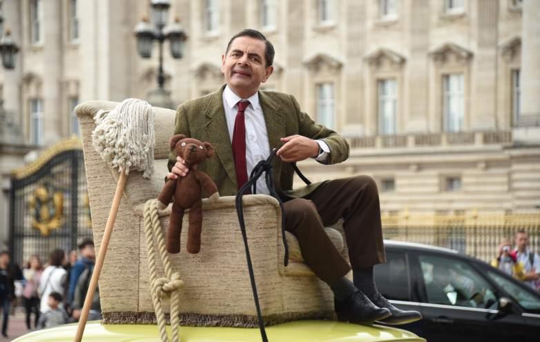 Mr. Bean heads to Buckingham Palace.
