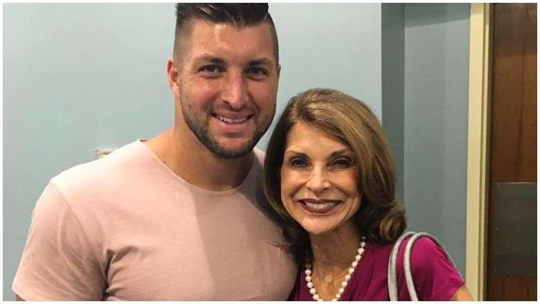Tim Tebow with his mother, Pamela