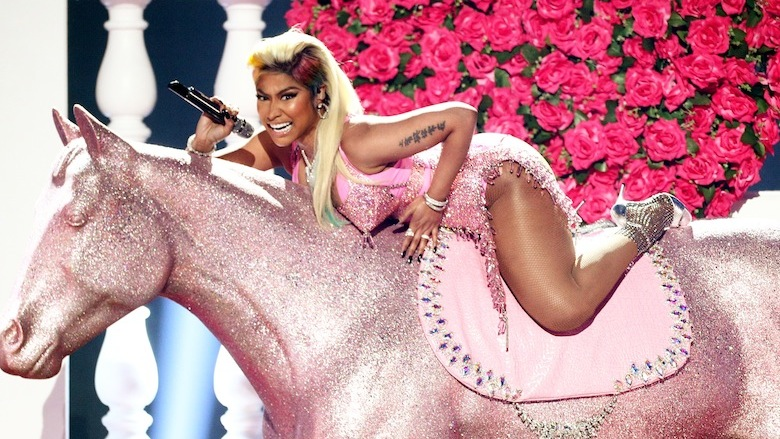 Nicki Minaj had a wardrobe malfunction and flashed the