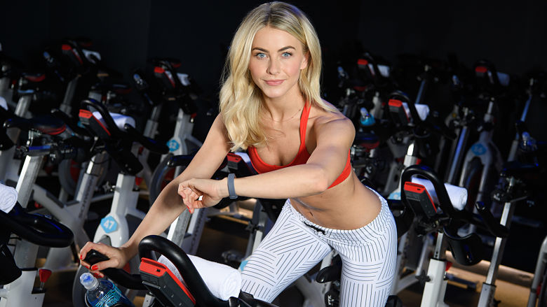Julianne Hough abs