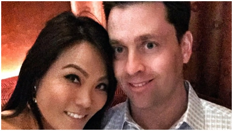 dr pimple popper husband, dr sandra lee husband