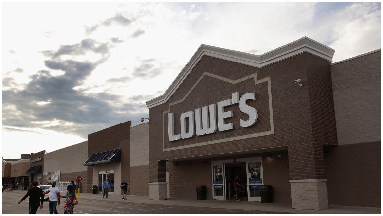 lowe's labor day