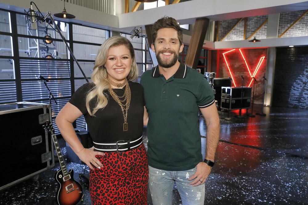 Kelly Clarkson and Thomas Rhett On The Voice