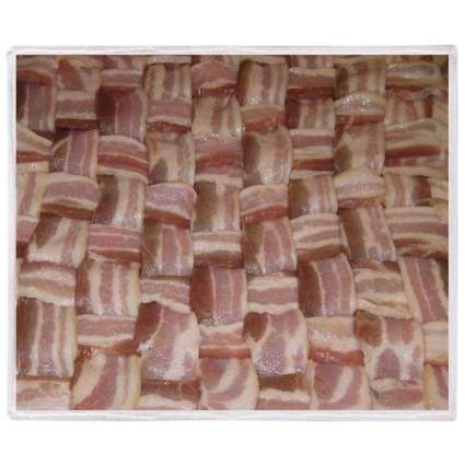 Weave of raw bacon