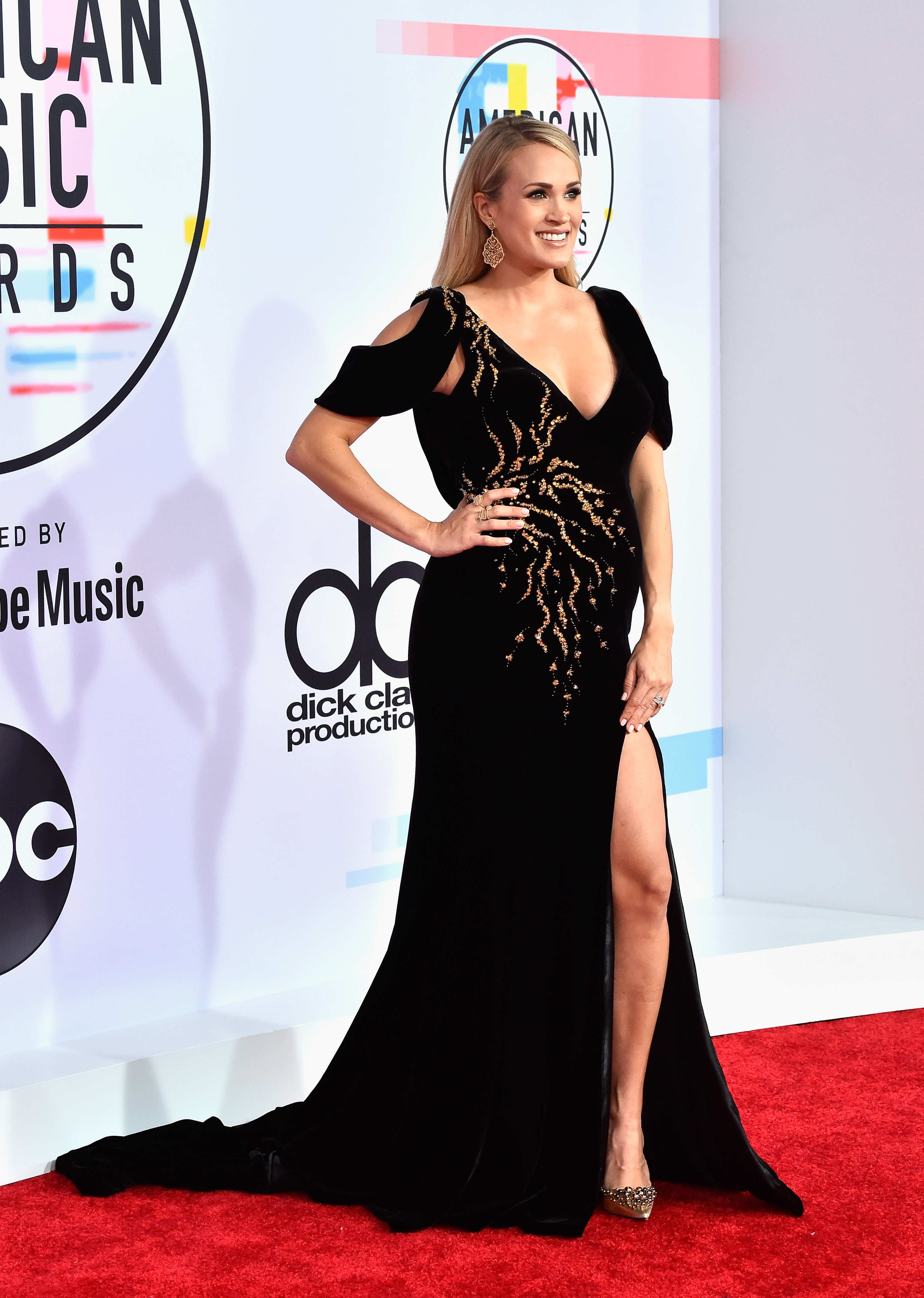 Carrie Underwood At 2018 American Music Awards, Carrie Underwood Baby Bump