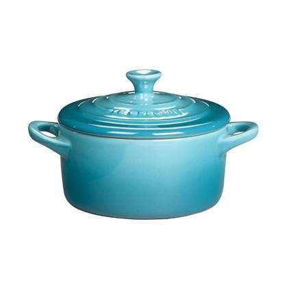 le creuset petite stoneware casserole dish
