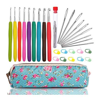 crochet hook set with case