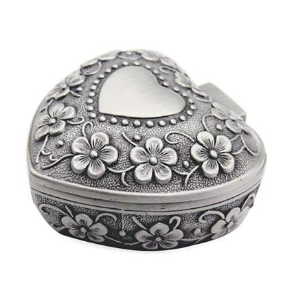 vintage look heart shaped jewelry box
