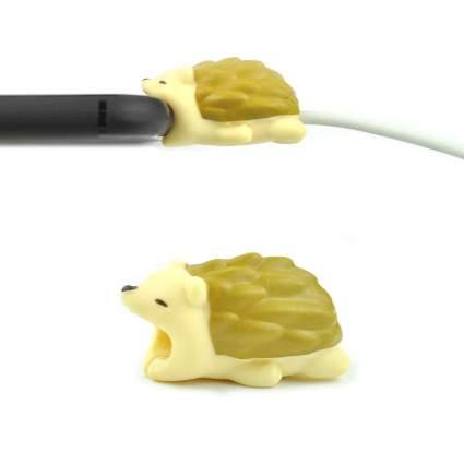 Hedgehog cable bite