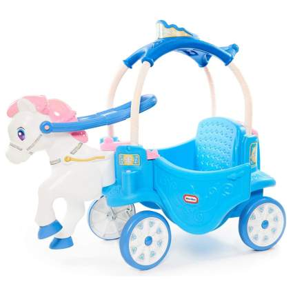 Play toy horse and carriage