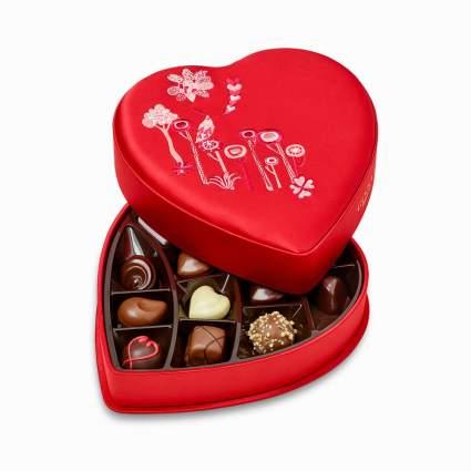Godiva Chocolatier 14 Piece Valentine's Day Fabric Heart