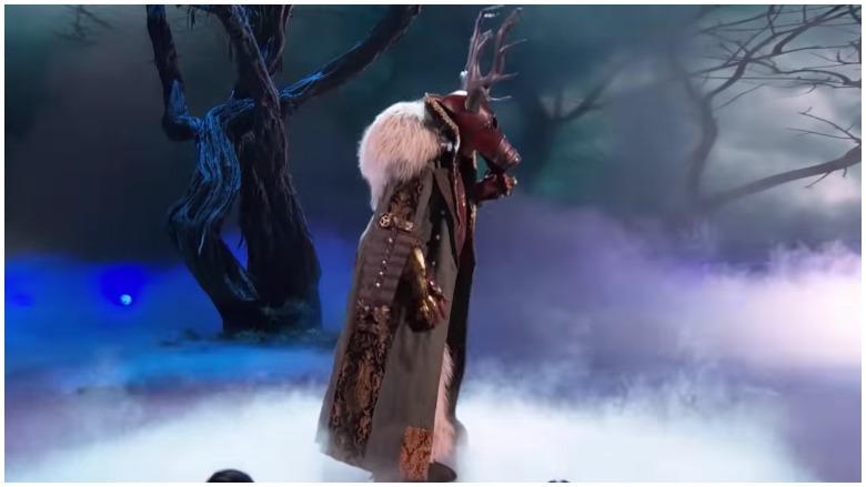 who is the deer on the masked singer, deer on the masked singer, eric decker terry bradshaw deer on masked singer