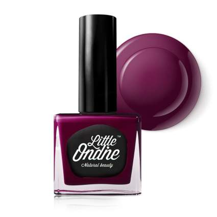 dark red nail polish