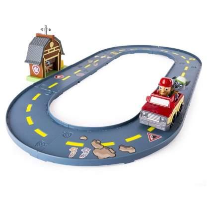 Paw Patrol - Rocky's Barn Rescue Track Set