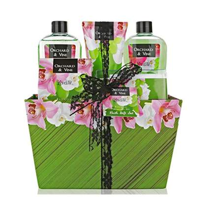 orchard and vine spa gift basket