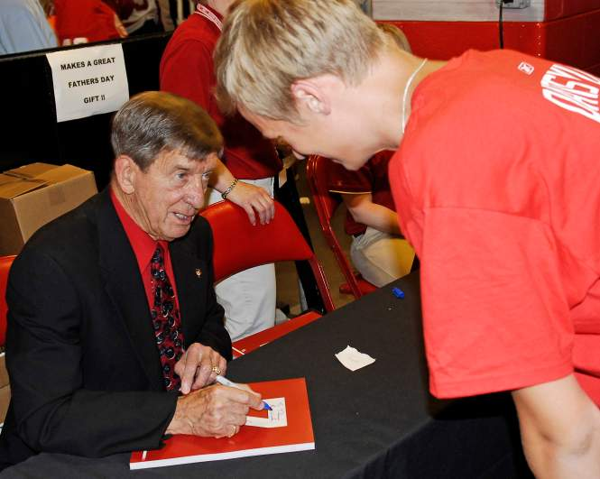 Ted Lindsay - Hall of Fame - Died