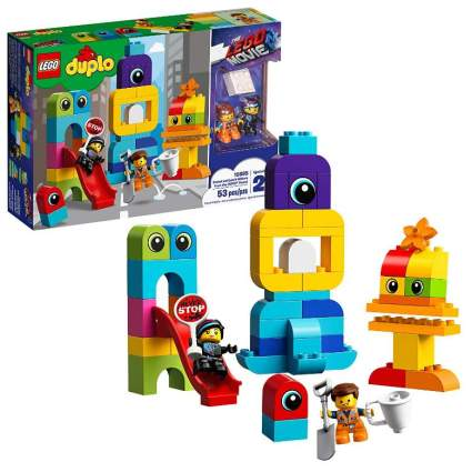 The Lego Movie 2 Emmet and Lucy's Visitors from the Duplo Planet