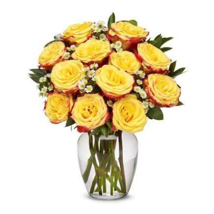 vase of yellow roses