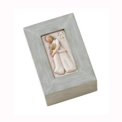 mother daughter sculpted memory box