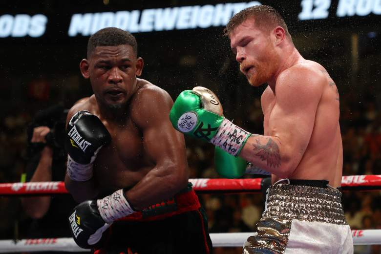 Canelo beat Jacobs in a match with no action [VIDEO]